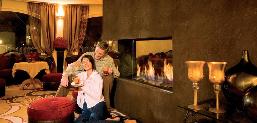 Austria_Ischgl_Hotel_Birgitte_lounge_fire.jpg